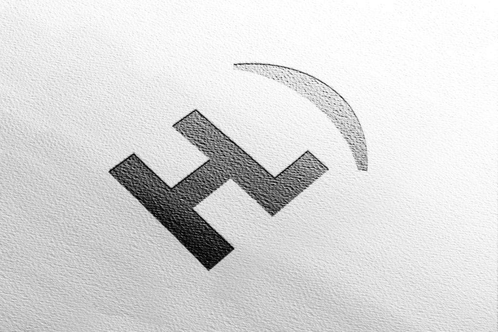 Logo Hélène Laforêt graphiste freelance